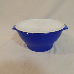 TUPPERWARE EXTRA LARGE SERVALIER BOWL-4 L/ 17 CUPS